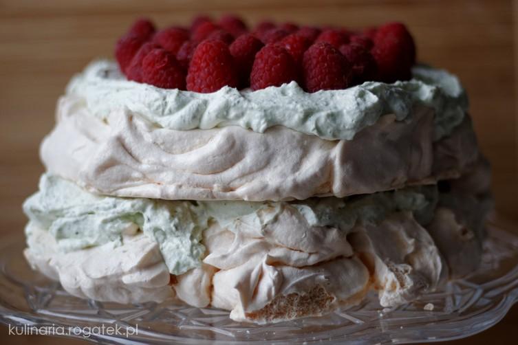 Tort bezowy z kremem cytrynowo-bazyliowym
